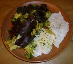 Poulet aux champignons noirs et aux brocolis